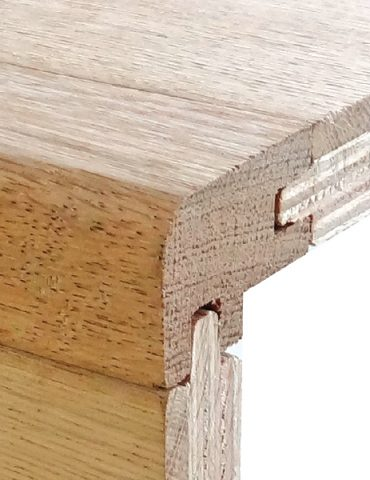 Double groove square edge nosing