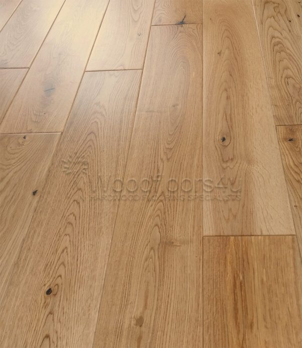 90mm Wide Solid Lacquered Oak Flooring