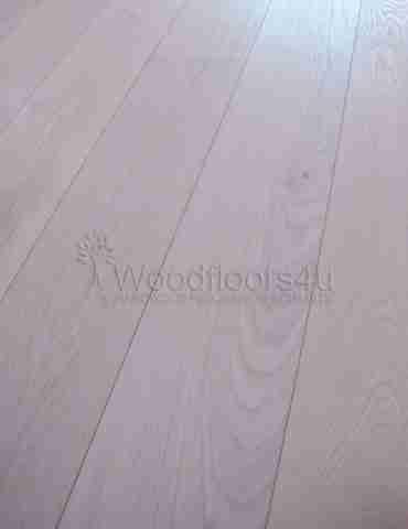 Pearl White Oak 220 x 3/14 x 2200mm Engineered Wood Flooring